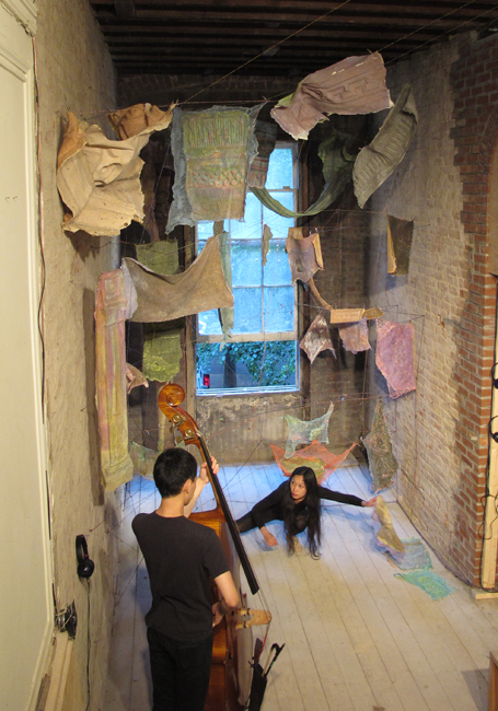 Performance by Jaeeun Lee and Takahiro Morooka at Gramercy Park, Calder Foundation